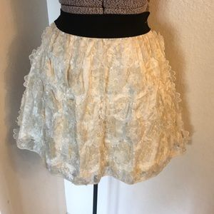 H&M lace flowered skirt